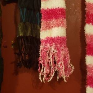 Accessories - 2 scarves for fall